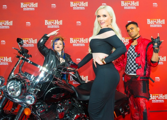 Deutschlandpremiere Jim Steinmans BAT OUT OF HELL - Das Musical im Stage Metronom Theater Oberhausen 8. November 2018 Daniela Katzenberger