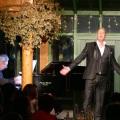 Kevin Tarte Reflection – Soloprogramm München – DerKulturblog
